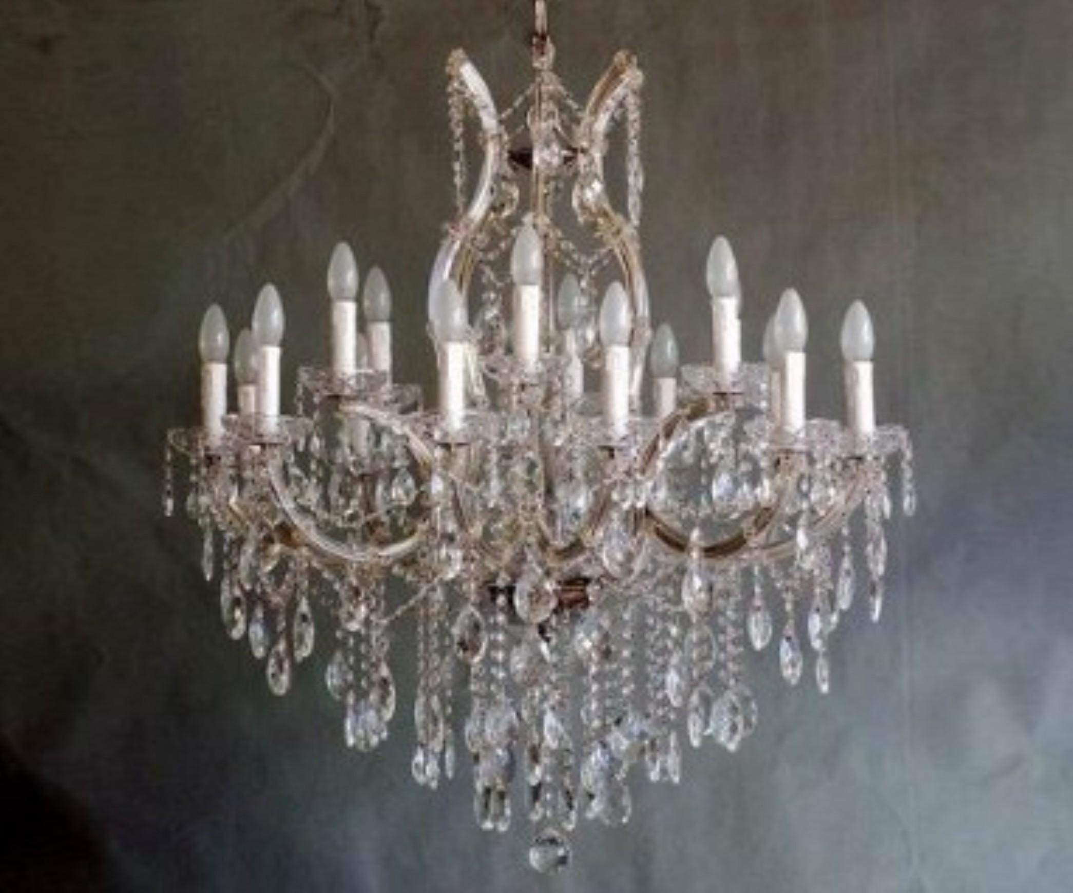 Lampadario Antico A Gocce : Restauro lampadari antichi e moderni milano